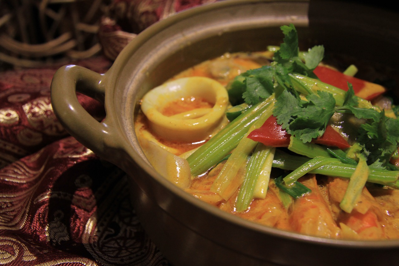 Chu Chee Style Scallops and Prawns Curry Recipe by Madam Kopi Oh