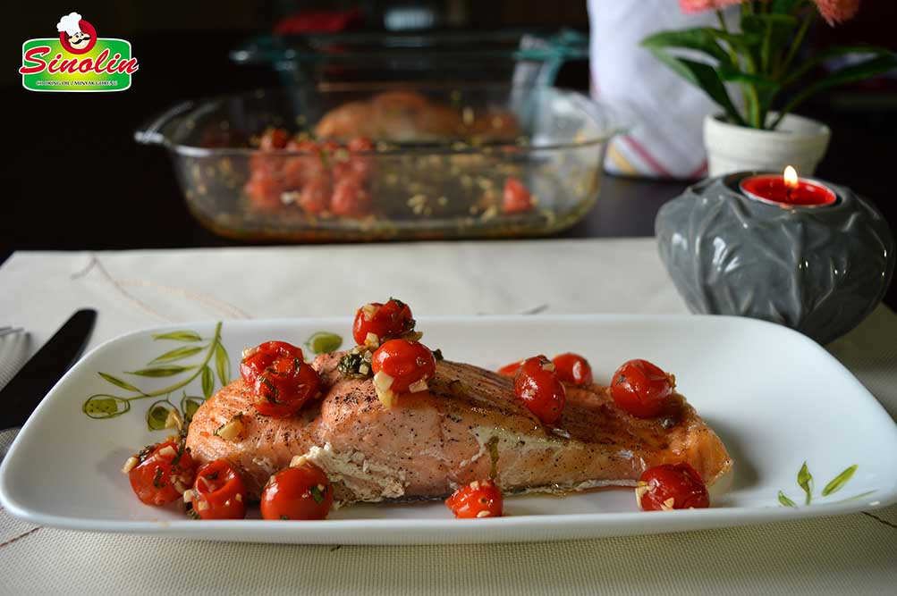 Salmon With Grilled Tomato Salsa by Dapur Sinolin