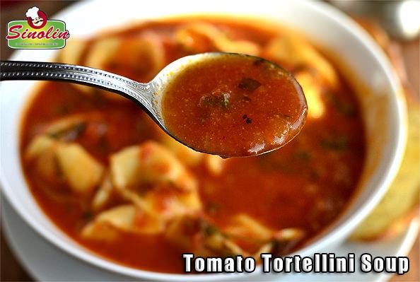 Sup tomat tortellini oleh Dapur Sinolin