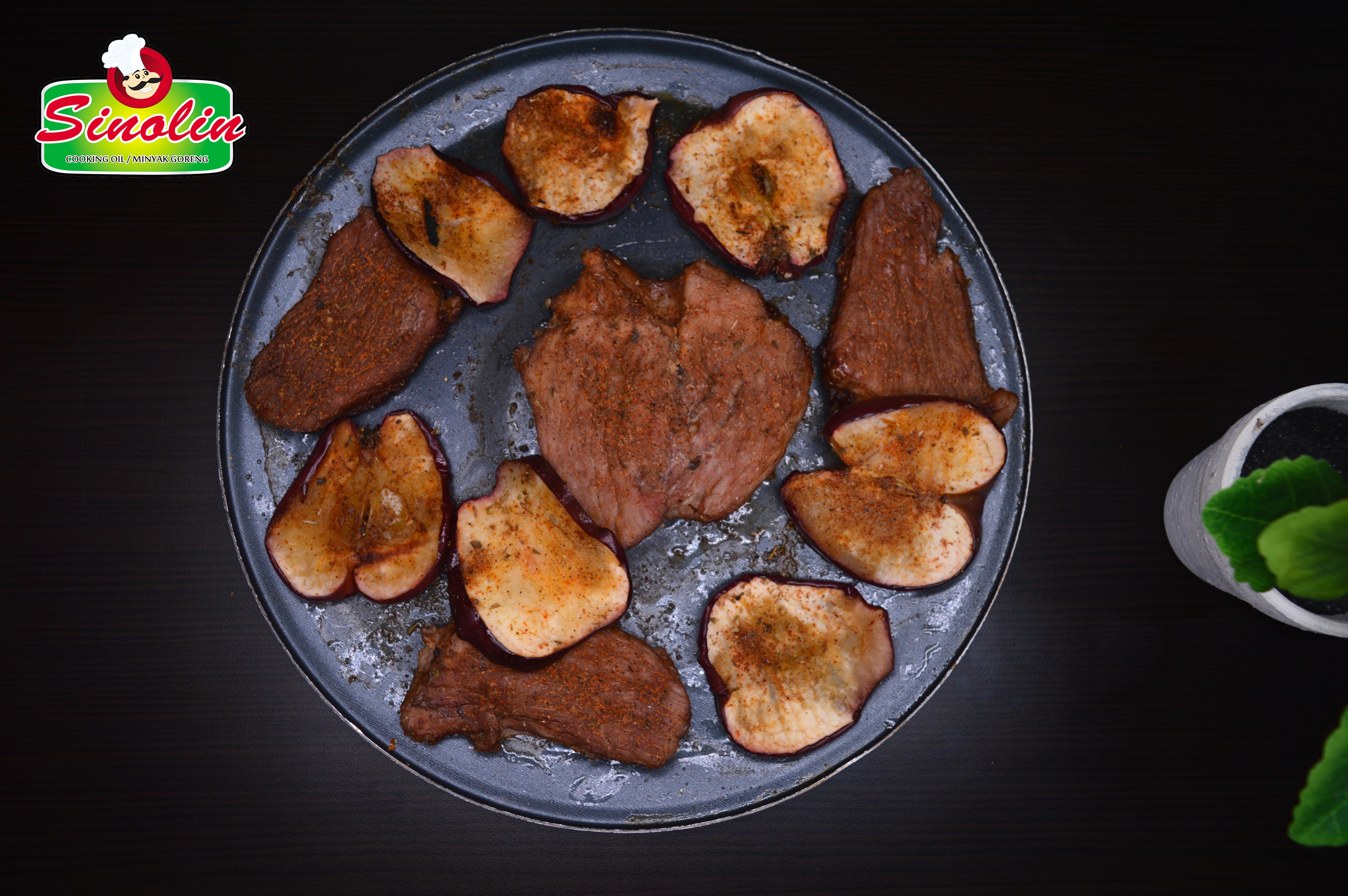 Ribeye Steaks & Apel oleh Dapur Sinolin