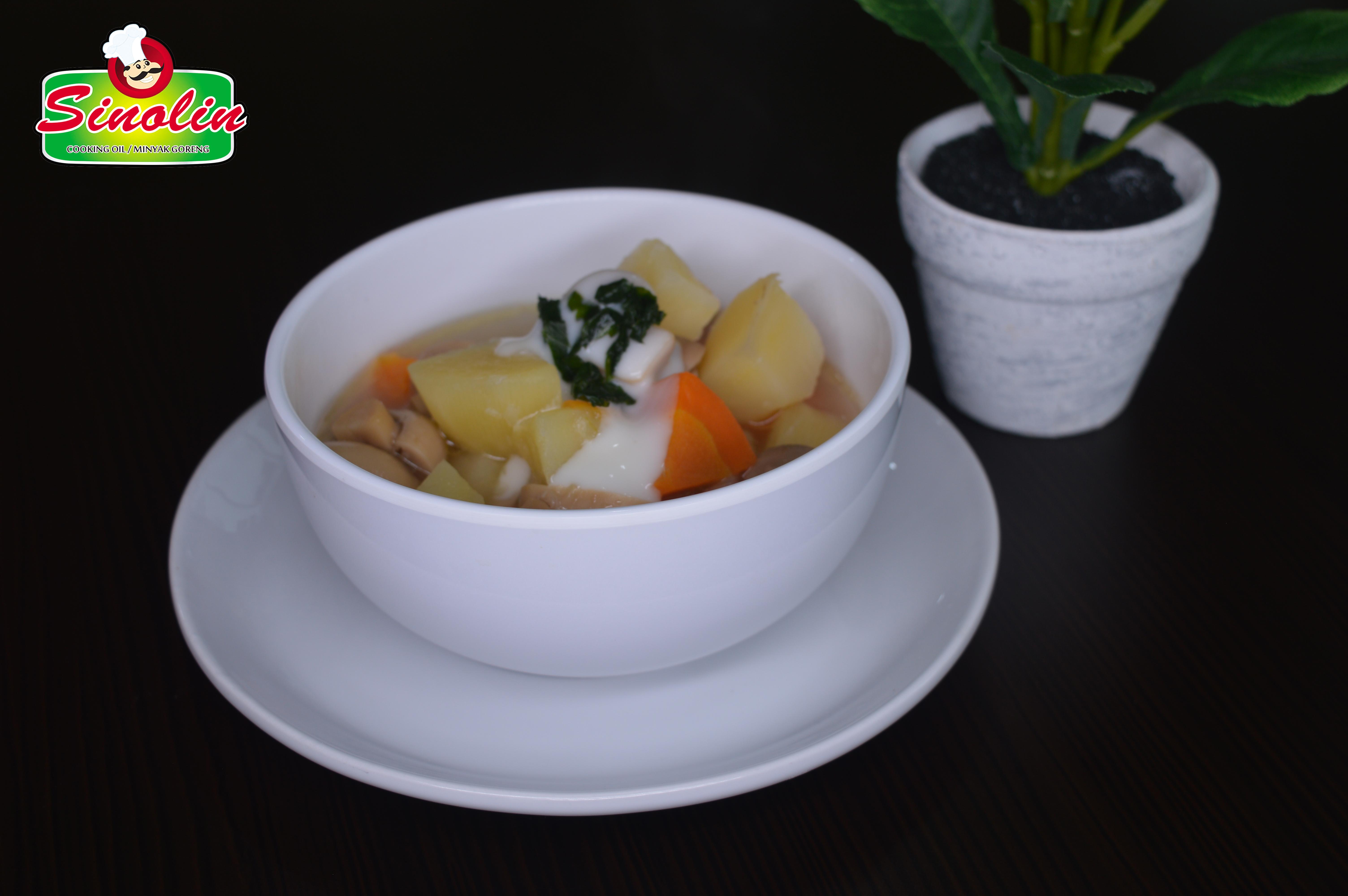 Sup jamur dan kentang oleh Dapur Sinolin