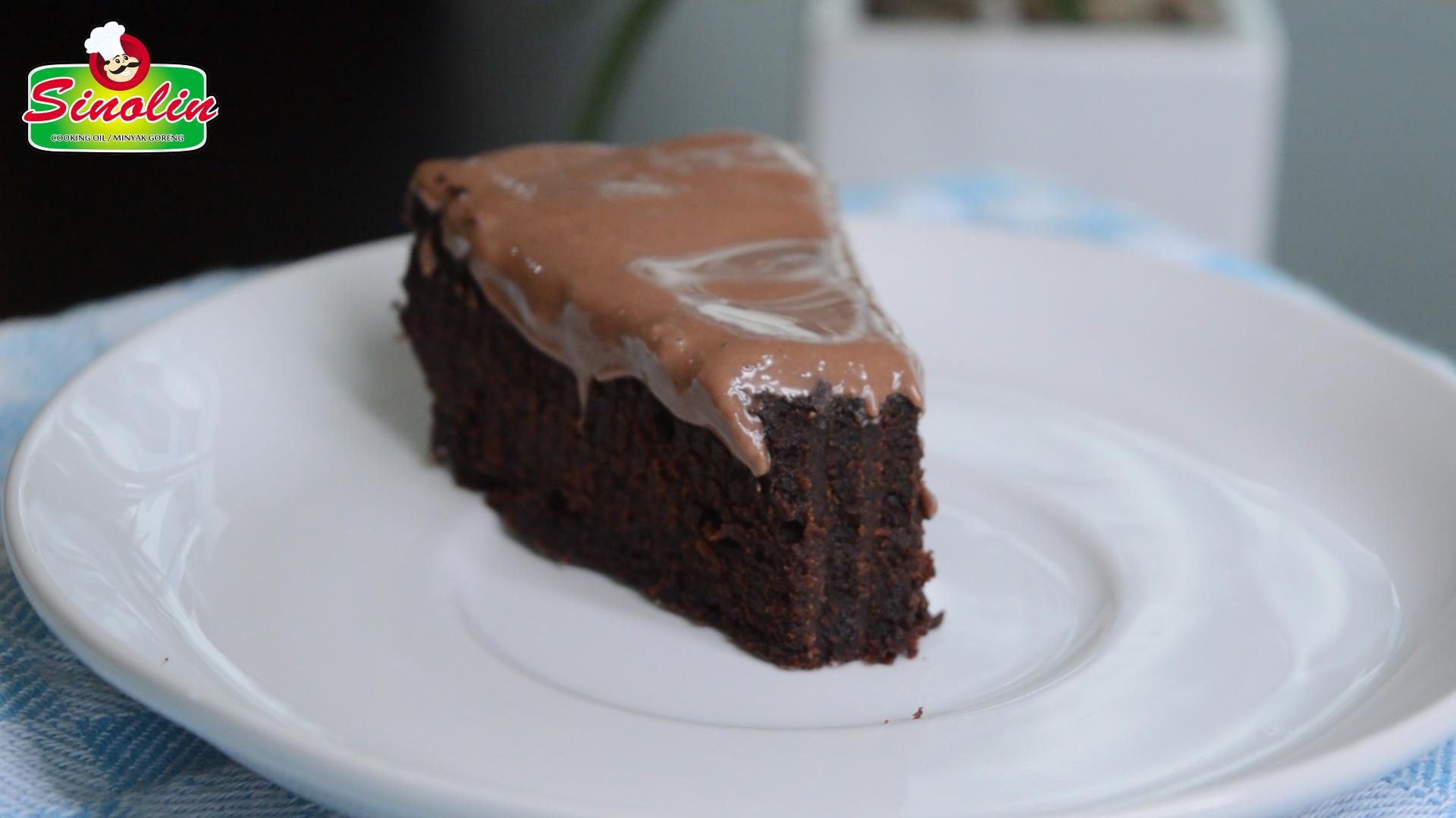 Rice Cooker Chocolate Cake  by Dapur Sinolin