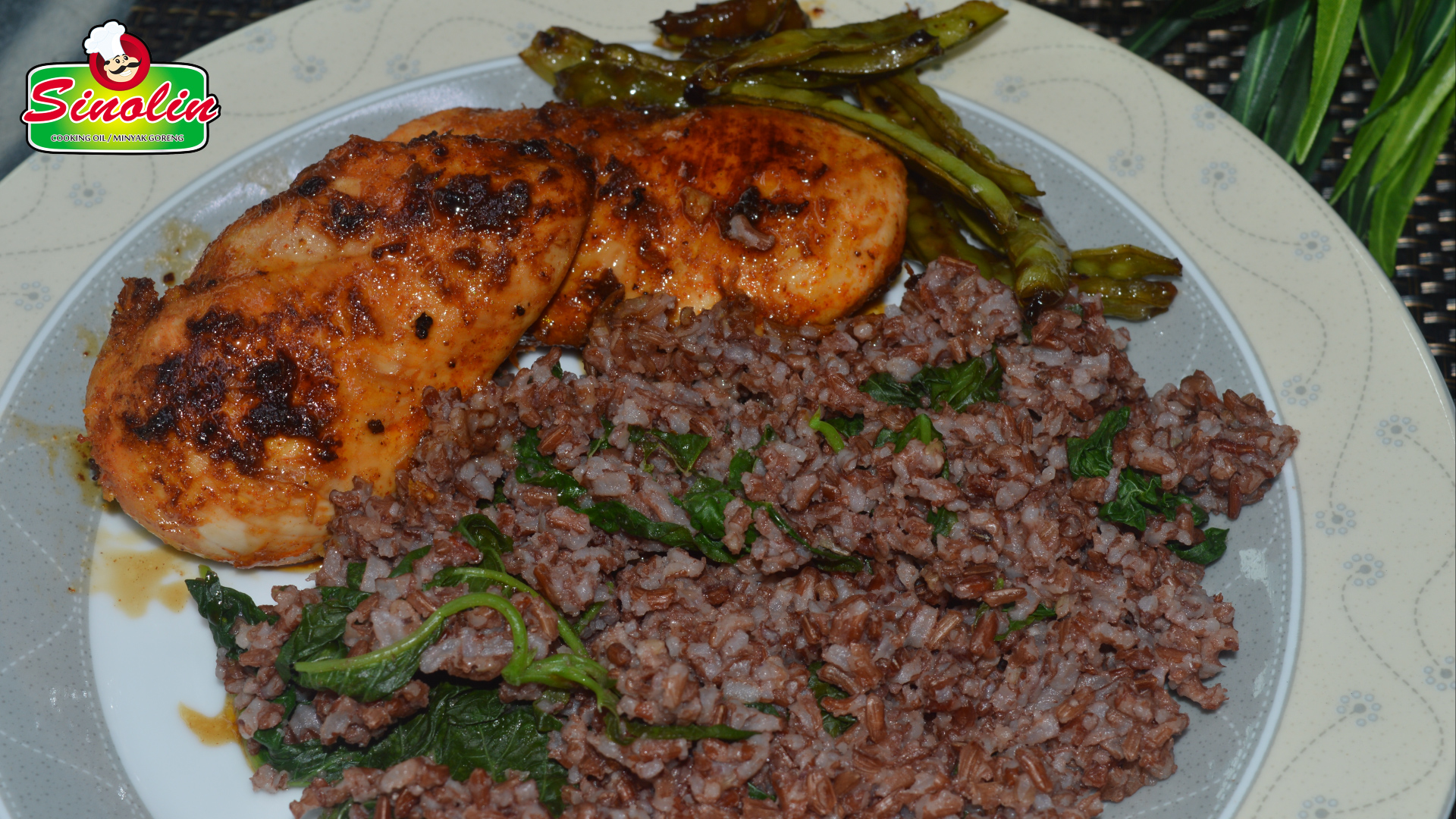 Spanish Chicken  with Spinach, Brown Rice and Snap Peas By Dapur Sinolin