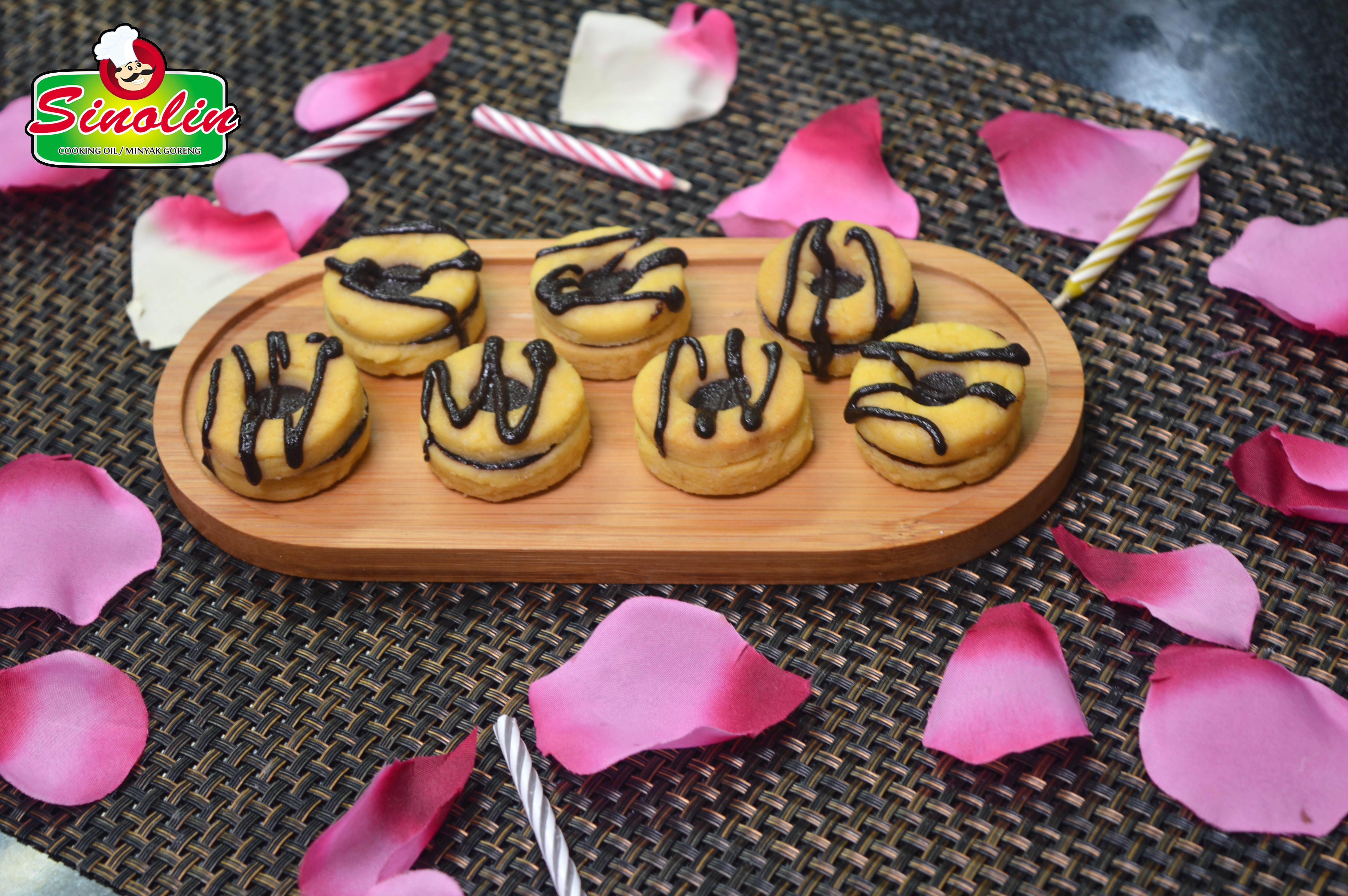 Striped Fudge Cookie Sandwiches By Dapur Sinolin