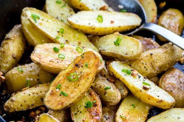 Roasted Fingerling Potatoes with Garlic By Dapur Sinolin
