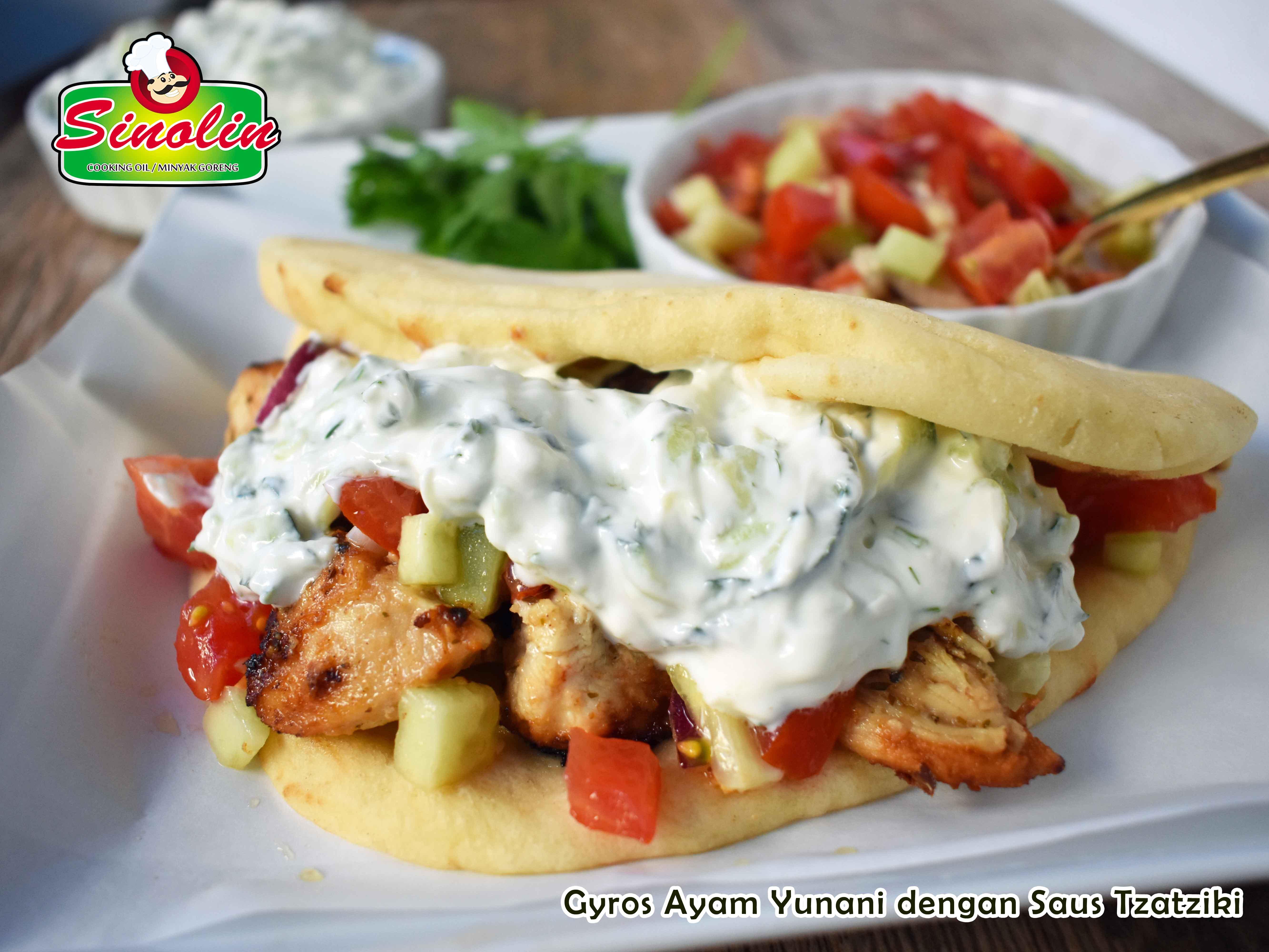 Gyros Ayam Yunani dengan Saus Tzatziki Oleh Dapur Sinolin