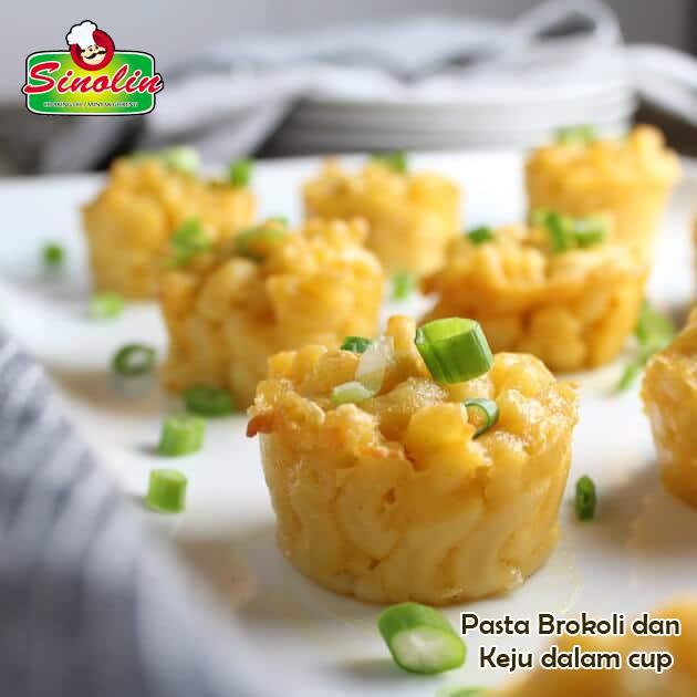Broccoli and Cheese Pasta Cupcakes by Dapur Sinolin