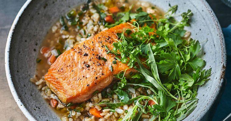 Salmon Dengan Salad Krim Dan Barley oleh Dapur Sinolin