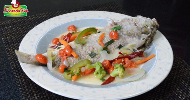 Ikan dengan Tomat & Sayuran oleh Dapur Sinolin