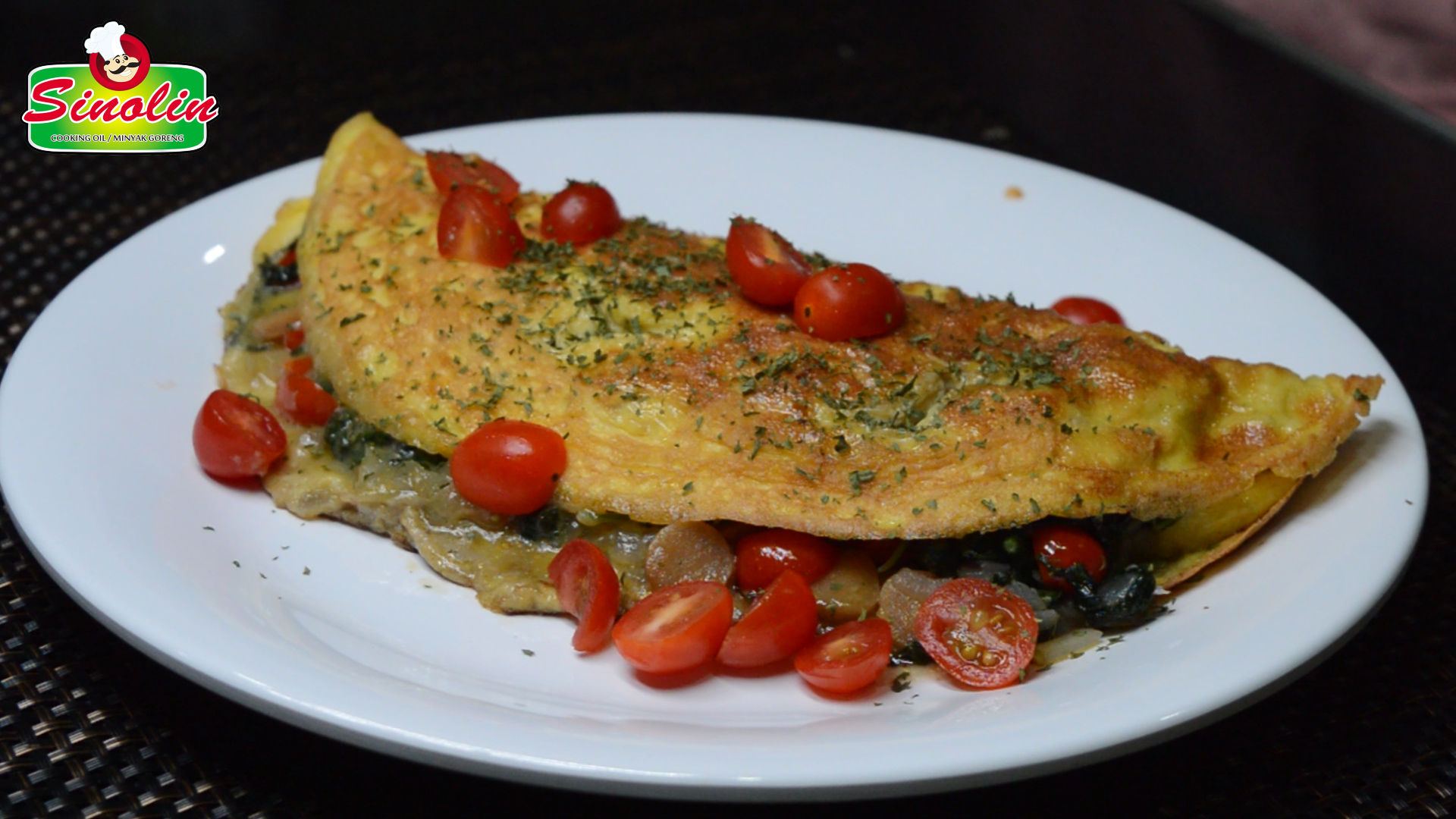 Sausage and Spinach Omelet  by Dapur Sinolin