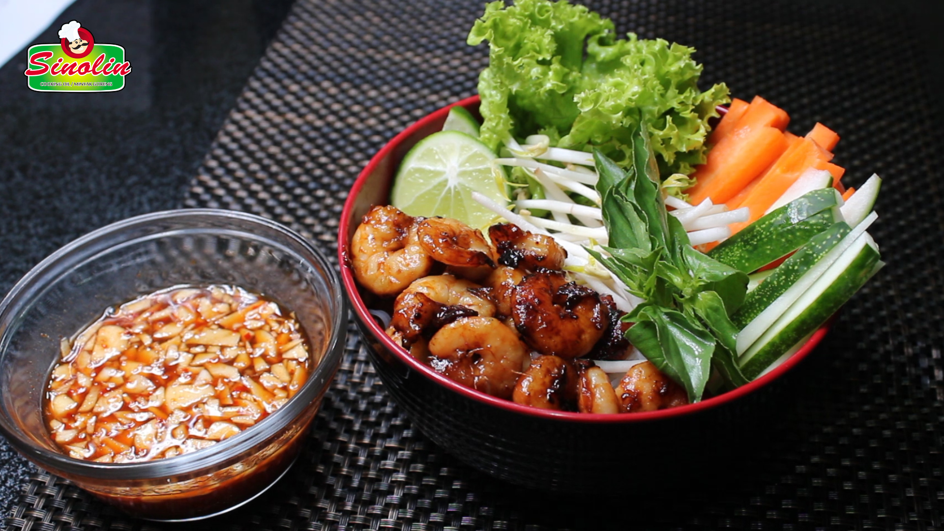 Vietnamese Shrimp Salad with Noodles By Dapur Sinolin