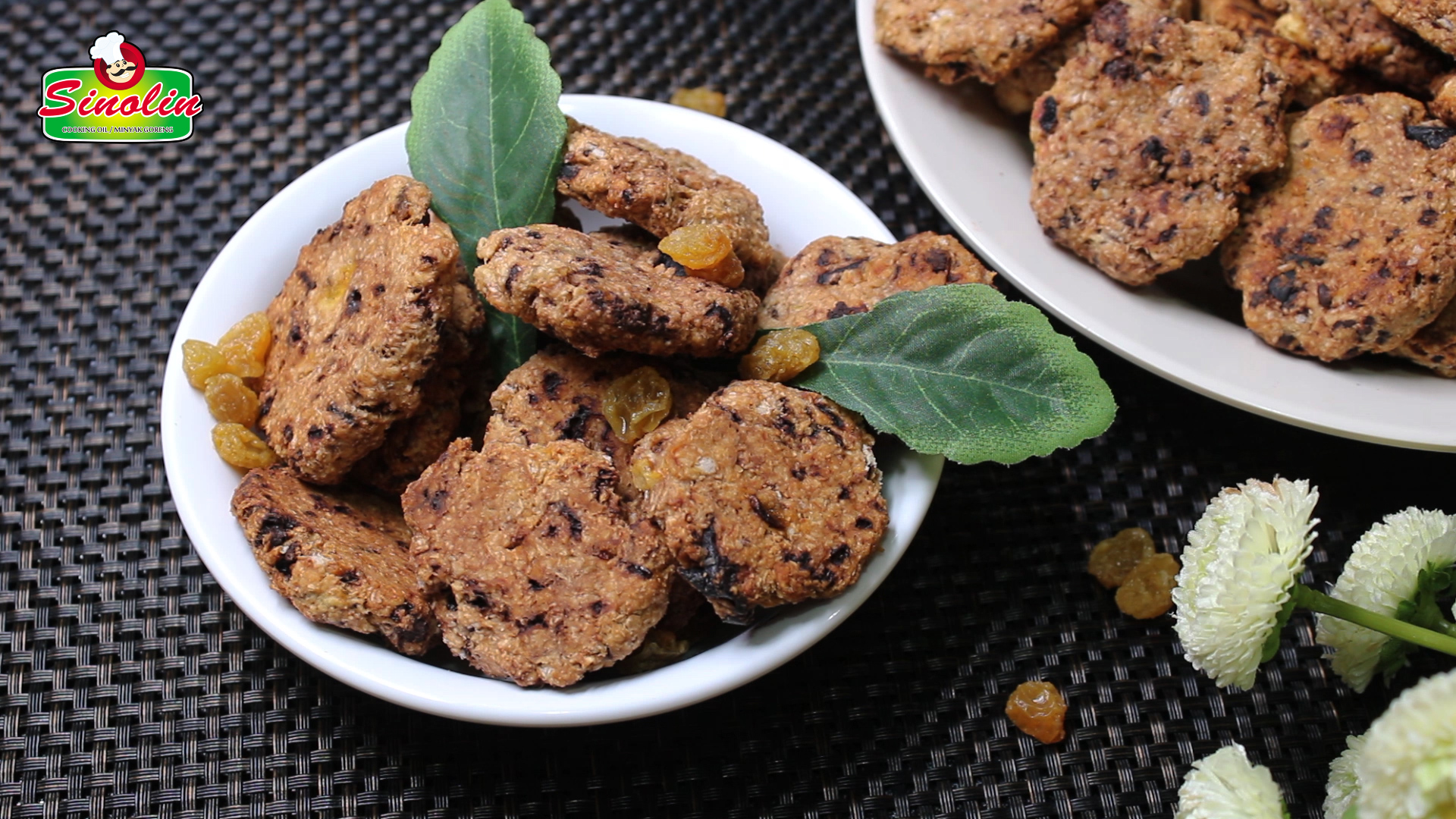 One-bowl Peanut Butter & Chocolate Oatmeal Cookies By Dapur Sinolin